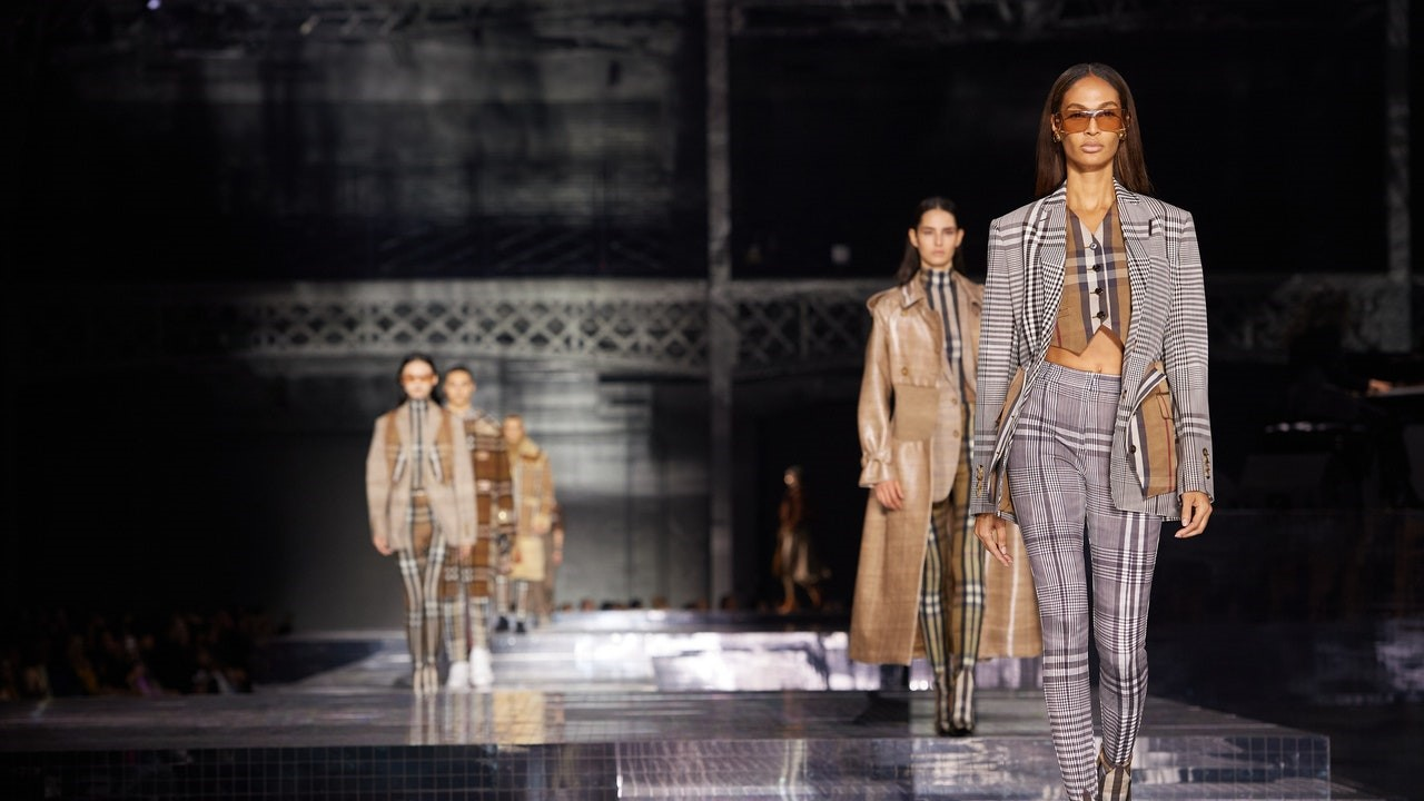 Visualizing the Digital Fashion Week of the Future